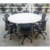mesa de reunião com cadeiras sob medida Murta