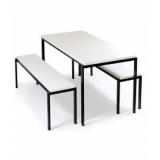 mesas com cadeiras acoplada para refeitório Santo Antônio